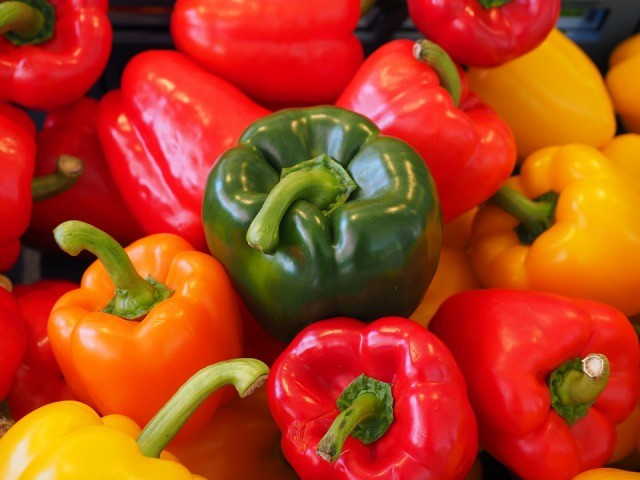 s_sweet-peppers-499075_960_720-640x480